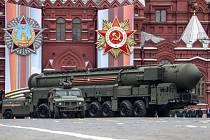 Vojenská přehlídka v Moskvě u příležitosti Dne vítězství