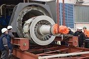 Výměna turbogenerátoru v elektrárně Dukovany.