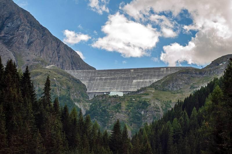 Přehrada Grande Dixence, Švýcarsko.
