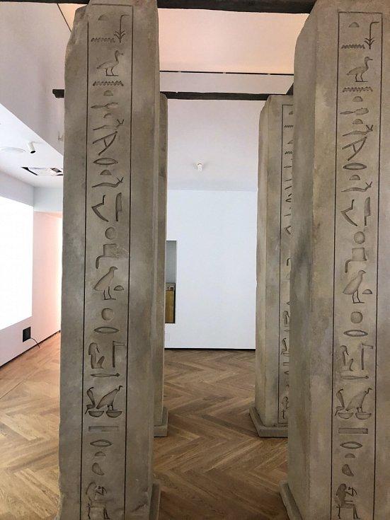 Na 350 vzácných exponátů v hodnotě jedné miliardy korun pochází z Česka, Německa a pochopitelně hlavně z Egypta.