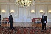 Střet prezidenta Miloše Zemana a premiéra Bohuslava Sobotky na Pražském hradě