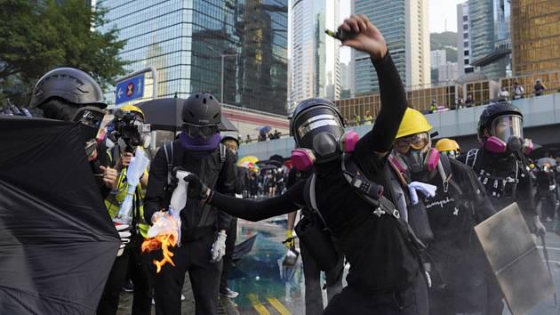 Protest ve vládní čtvrti v Hongkongu