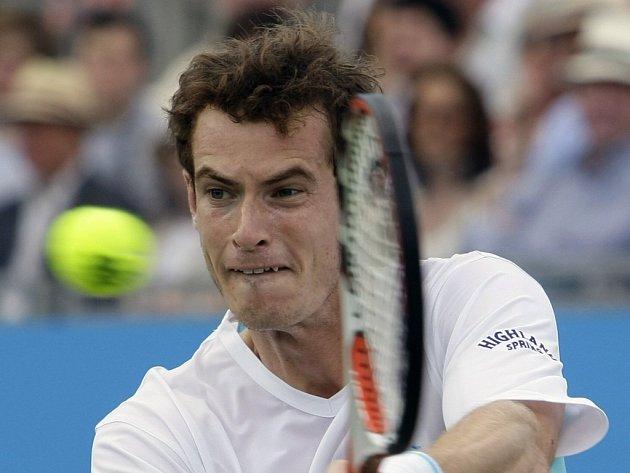 Andy Murray se může stát po jednasedmdesáti letech dalším britským tenistou, který vyhraje turnaj v Queen's Clubu.