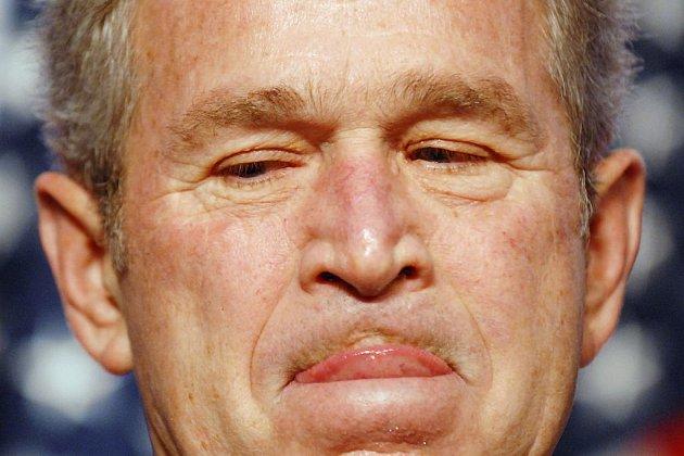 Prezident George Bush je připraven vetovat jakékoliv omezení pravomocí CIA.