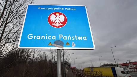 Cedule na hraničním přechodu Náchod-Kudowa.