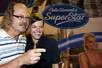 Moderátoři Česko-slovenské Superstar Ondřej Hejma a Marta Jandová během mediálního veletrhu televize Nova, který se konal 5. srpna 2009 a na kterém TV nova představila vysílací schéma podzimu 09.
