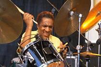 Nestárnoucí americký bubeník Al Foster vystoupí v rámci Československého jazzového festivalu.