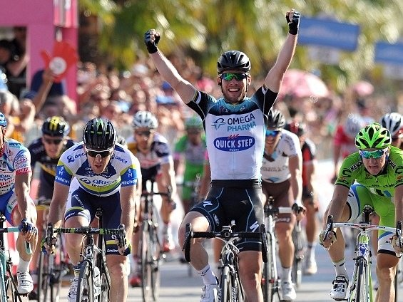 Mark Cavendish v cíli šesté etapy Gira d'Italia