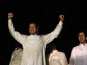 Opoziční vůdce Imran Chán na protivládní demonstraci v Islamabádu.
