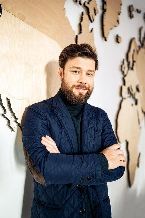 Byznys nechápu jako hromadění peněz, umím si je užít, ale beru je jako formu svobody, ne cíl, říká Vratislav Nejedlý.