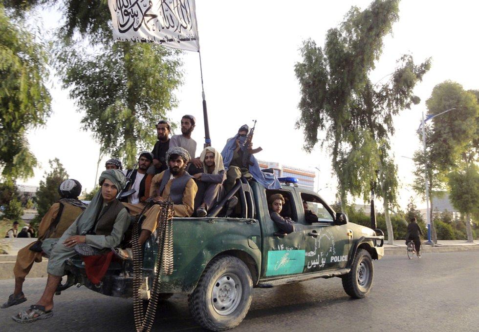 Bojovníci Tálibánu ve městě Kandahár