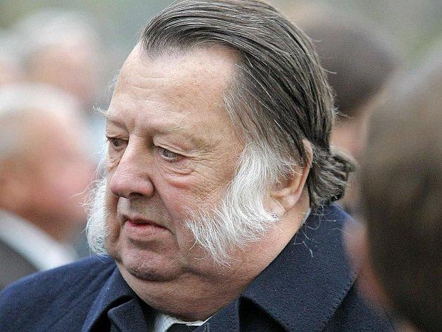 František Oldřich Kinský vedl proti České republice na 160 žalob, v nichž se domáhal vydání majetku v hodnotě 40 miliard korun.