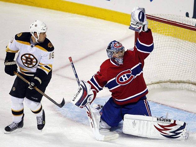 """Parádní """"semafor"""" předvedl v souboji s Bostonem montrealský gólman Carey Price."""