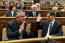 Ján Slota a Rafael Rafaj krátce po schválení kontraverzního zákona