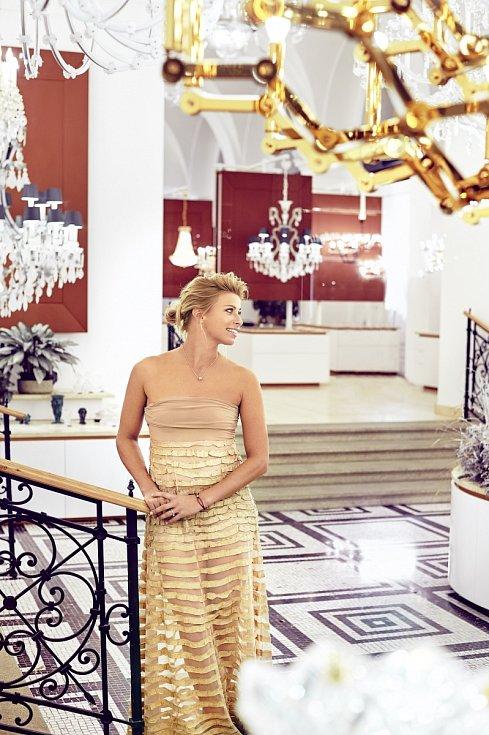 Andrea Sestini-Hlaváčková působí rovněž jako sportovní komentátorka.