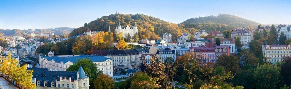 Panoramatický snímek Karlových Varů