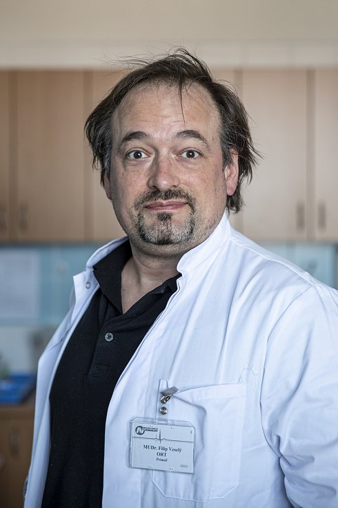 Nemocnice Sokolov při boji proti pandemii v době koronaviru. Primář Filip Veselý.