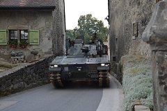 Těžká armádní technika se smí kvůli vedru přepravovat po Švýcarsku jen v noci