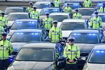Dopravní policie převzala 50 nových octavií a tři superby.