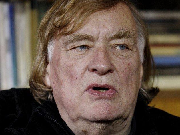 Výročí narození Jaroslava Haška se věnuje film Toulavé house, který tak nazval podle stejnojmenné knihy literárního teoretika Radka Pytlíka režisér Vít Olmer (na snímku).