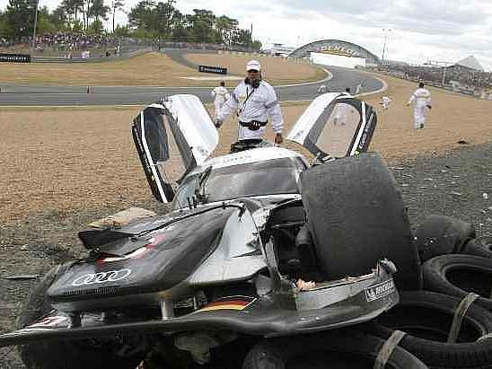 Takhle dopadlo auto Allana McNishe po hrozivé nehodě, která málem skončila katastrofou.