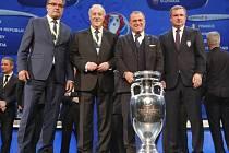 Trenéři fotbalových reprezentací, které se střetnou ve skupině D na Euro 2016 (zleva): Kouč Chorvatska Ante Čačič, Španělska Vicente Del Bosque, Turecka Fatih Terim a Česka Pavel Vrba.