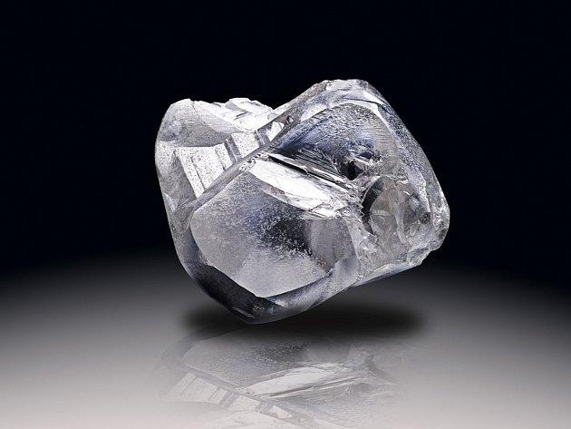 Bílý diamant o váze 478 karátů, nalezený v Lesothském království