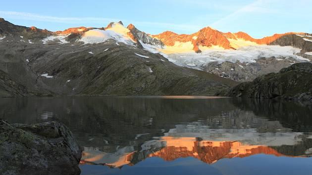 Masiv Reichenspitzgruppe v rakouské části Zillertalských Alp