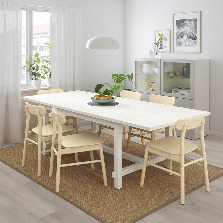 Bílá barva opticky zvětšuje místnost