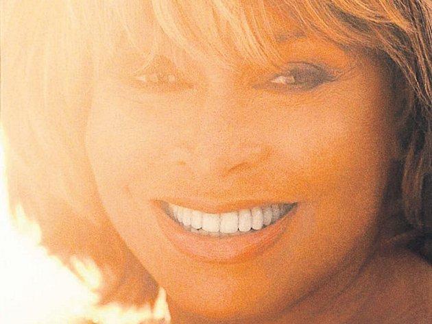 Královna.Tina Turner je nejúspěšnější ženskou rockovou hvězdou všech dob. Za svou kariéru prodala přes 180 milionů desek.