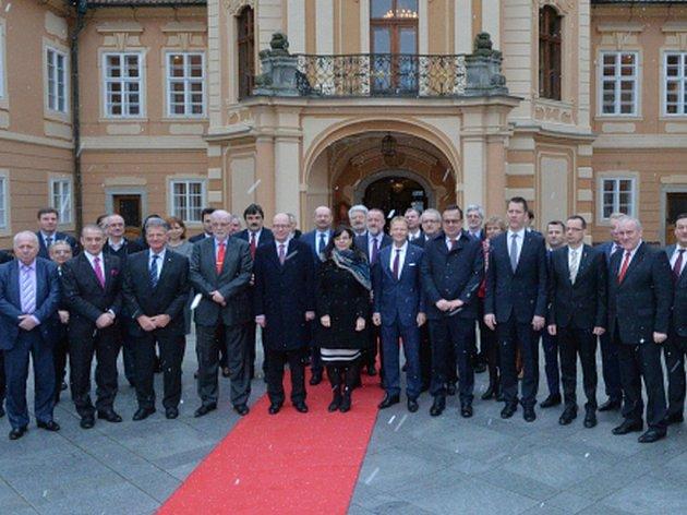 Zástupci vlád, zaměstnavatelů a odborů Česka, Polska, Maďarska a Slovenska se u jednoho stolu sešli poprvé.
