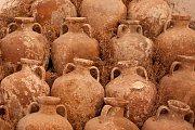 Starobylé amfory, podobné těm, které byly nalezeny na Sicílii