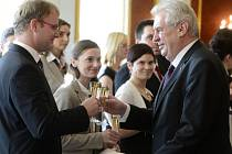 Prezident Miloš Zeman na Pražském hradě jmenuje nové soudce.