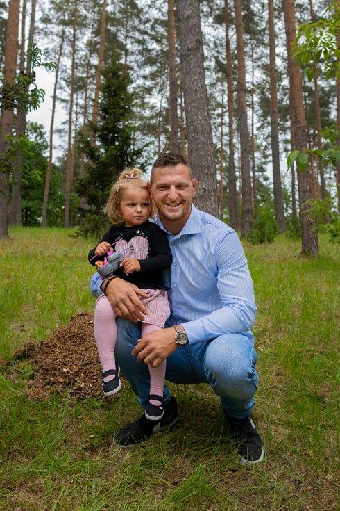 Lukáš Krpálek s dvouletou dcerou Marjánkou