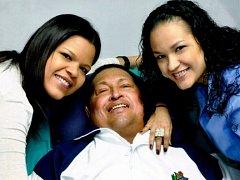 Hugo Chávez s dcerami na prvních snímcích z nemocnice