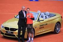 Philipp Kohlschreiber dostal za triumf v Mnichově i kožené kalhoty a nové BMW.