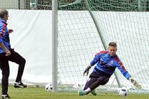 Tomáš Vaclík v rakouském Kranzachu při tréninku české fotbalové reprezentace.