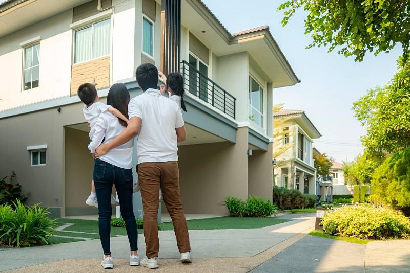 Vzájemná výměna zařízených domů či domácností na prázdniny není úplně nová věc. Lidé, kteří nechtějí utrácet za hotely a jsou dostatečně otevření k navazování nových známostí, to takhle dělají už roky.