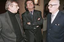 Na snímku zleva: Architekt Karel Vacek, kameraman Jiří Macháně a režisér Karel Kachyňa.