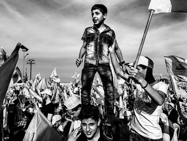 Fotografií roku 2017 a vítězem soutěže Czech Press Photo je snímek s názvem Hizballáh, oslavy vítězství nad Izraelem. Jeho autor Martin Bandžák z agentury Magna ho vyfotil telefonem a mezinárodní porota ho vybrala z více než 7000 fotografií od 482 autorů