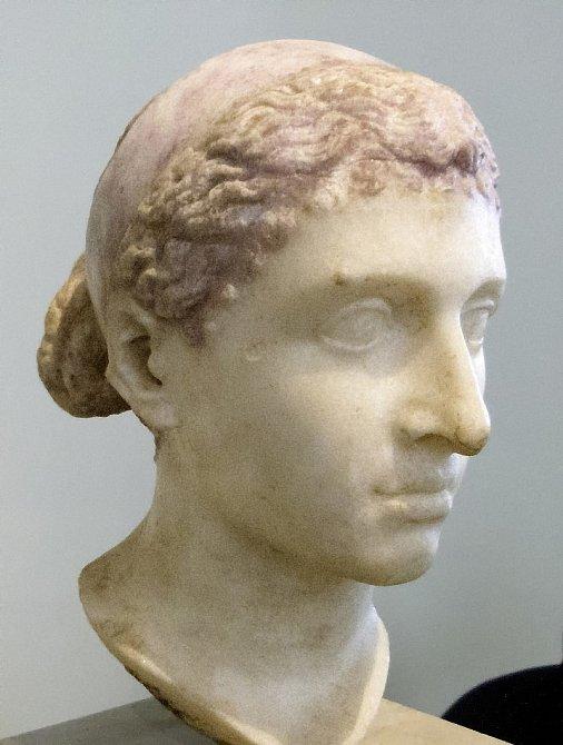 Busta královny Kleopatry, vystavená v Berlíně