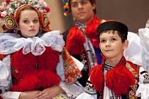 Na tradičním krojovém plese se 28. ledna ve Vlčnově na Uherskohradišťsku veřejně představil letošní král Jízdy králů, jedenáctiletý Martin Matušík.