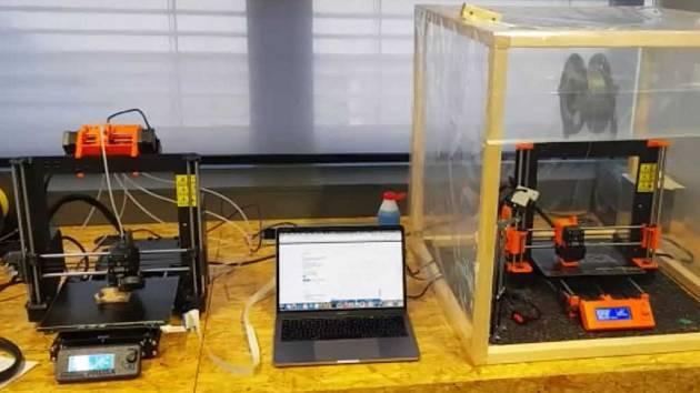 Jak se vyrábí ochranné masky 3D tiskem