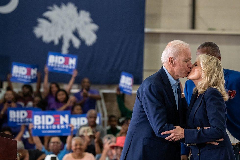 Jill Bidenová s Joem Bidenem během volební kampaně