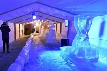 sochařské sympozium Sněhové království, obří ledová socha