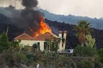 Zničené domy po erupci sopky na ostrově La Palma.