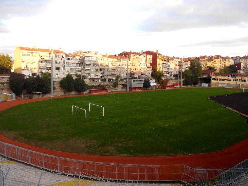 Vefa Stadium, kde hraje své domácí zápasy Fatih Karagümrük.