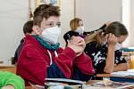 Žáci druhého stupně biskupské základní školy v Hradci Králové - ilustrační foto