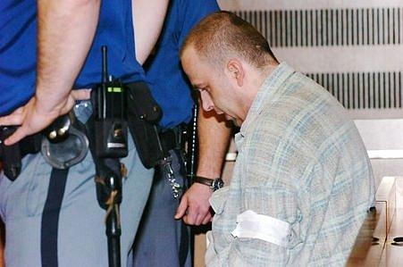 UKrajského soudu vHradci Králové vpondělí začalo hlavní líčení sobžalovaný Petrem Zelenkou vkauze heparinových vražd.