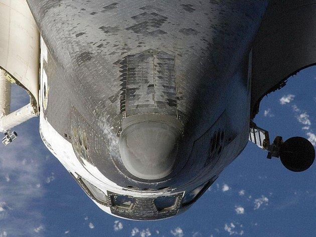 Endeavour zahájil šestnáctidenní misi startem na šestý pokus z vesmírného střediska na Floridě v noci ze středy na čtvrtek SELČ.